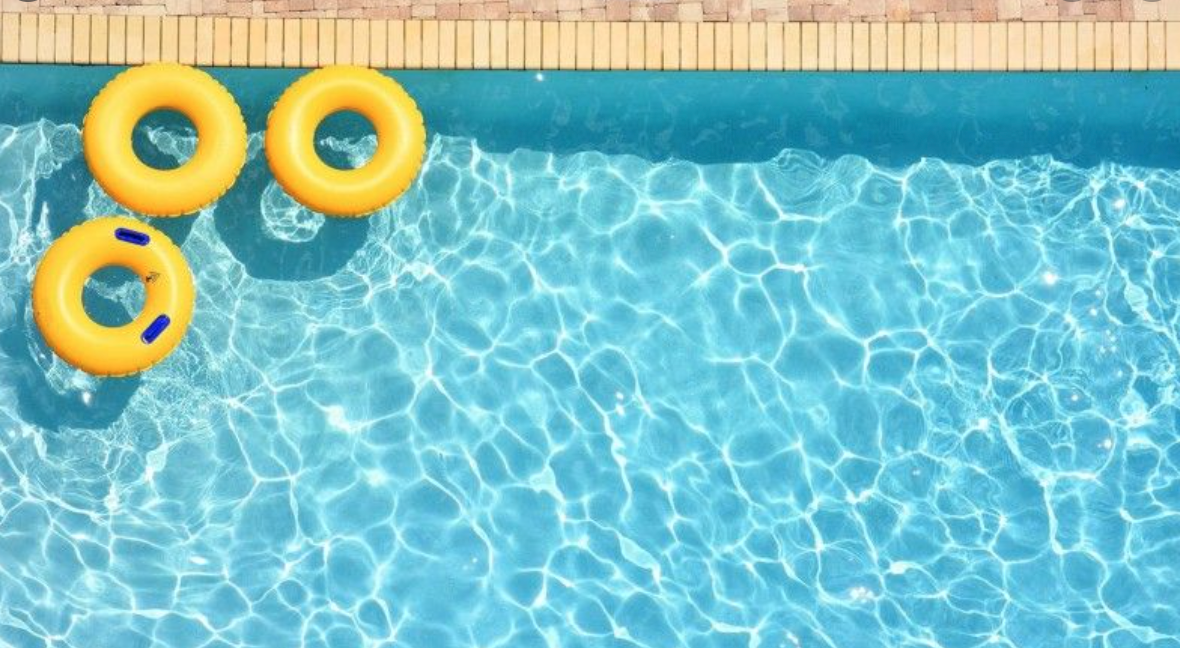 10 Pool Cleaning Myths Busted