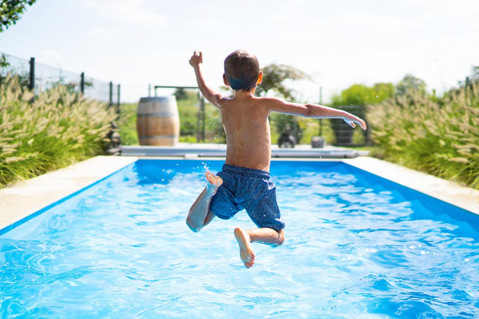 How Dirty Swimming Pools Can Affect Your Health